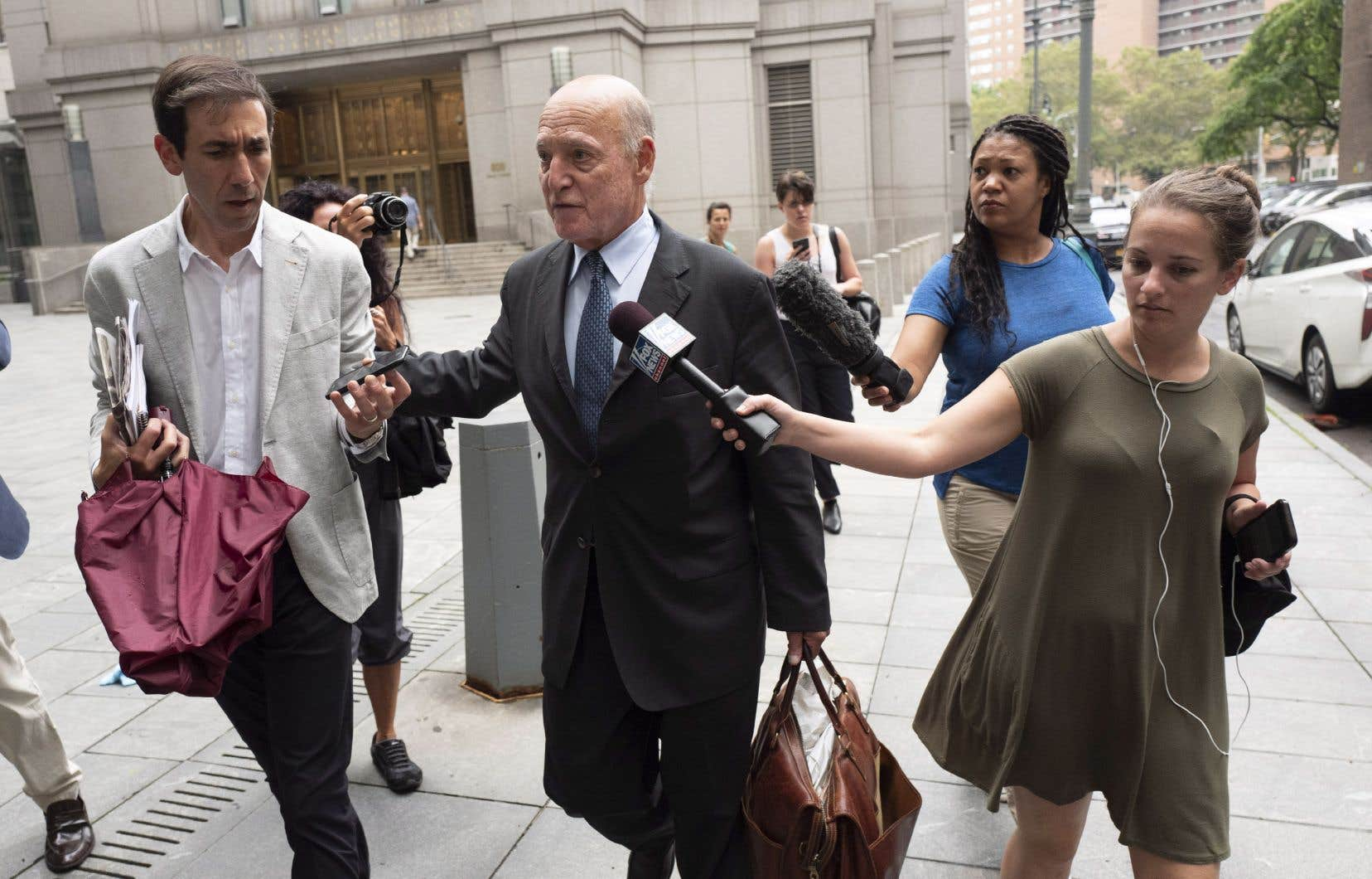 L'avocat de la défense Martin Weinberg.<span style=
