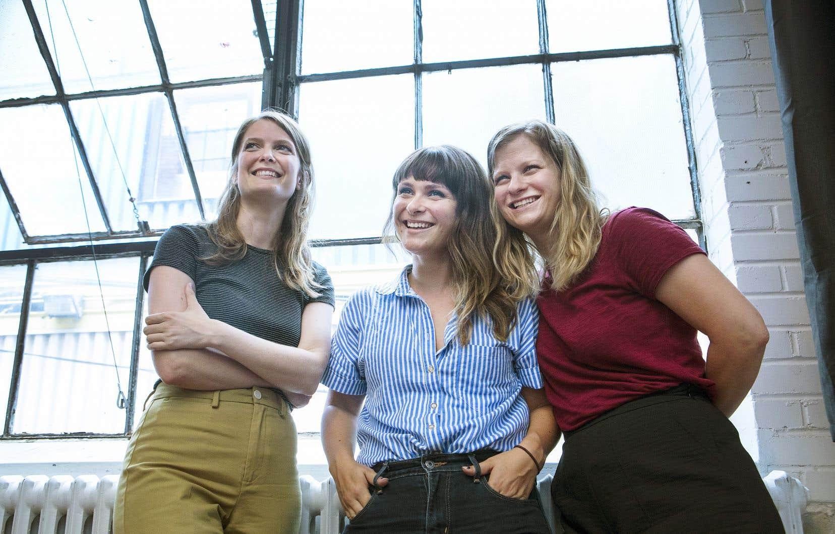 Les productrices de Colonelle films, Geneviève Dulude-De Celles (à gauche), Sarah Mannering et Fanny Drew ont soumis le long métrage «L'épreuve de la vie extraterrestre» de Ian Lagarde au marché Frontières, spécialisé dans l'industrie du films de genre.