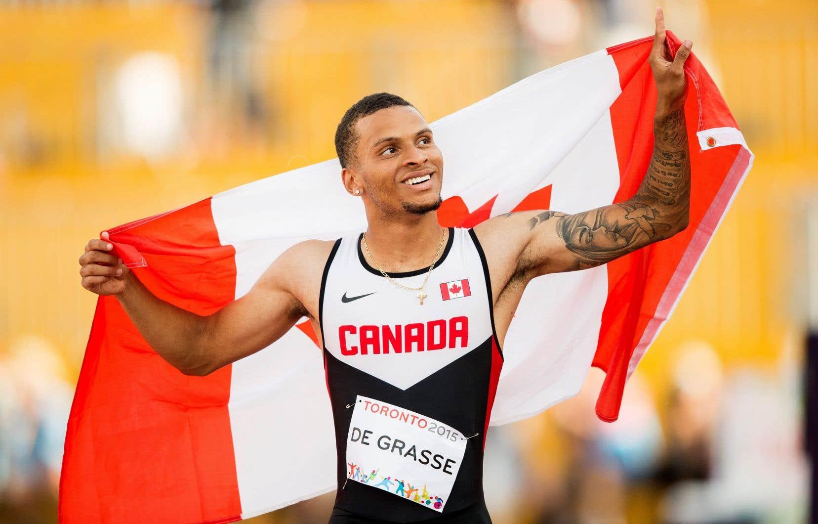 Le sprinter étoile Andre De Grasse aux Jeux panaméricains de 2015, à Toronto