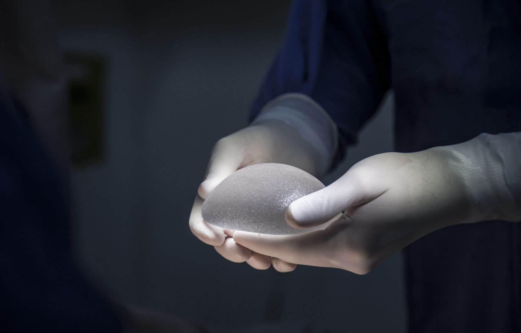 Santé Canada adéclaré avoir été informée de 22 cas confirmés de lymphome associé à des implants mammaires au Canada impliquant des implants texturés Biocell d'Allergan.