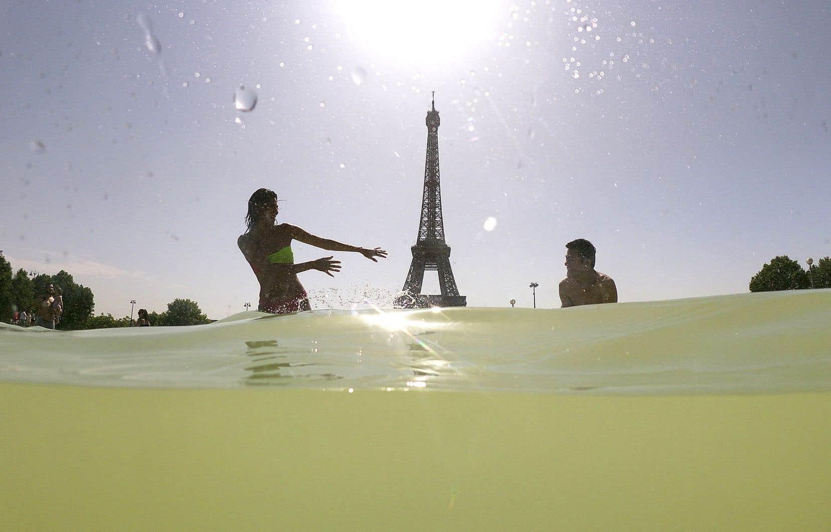 Paris a notamment battu un record de chaleur historiqueavec 42,6°C.