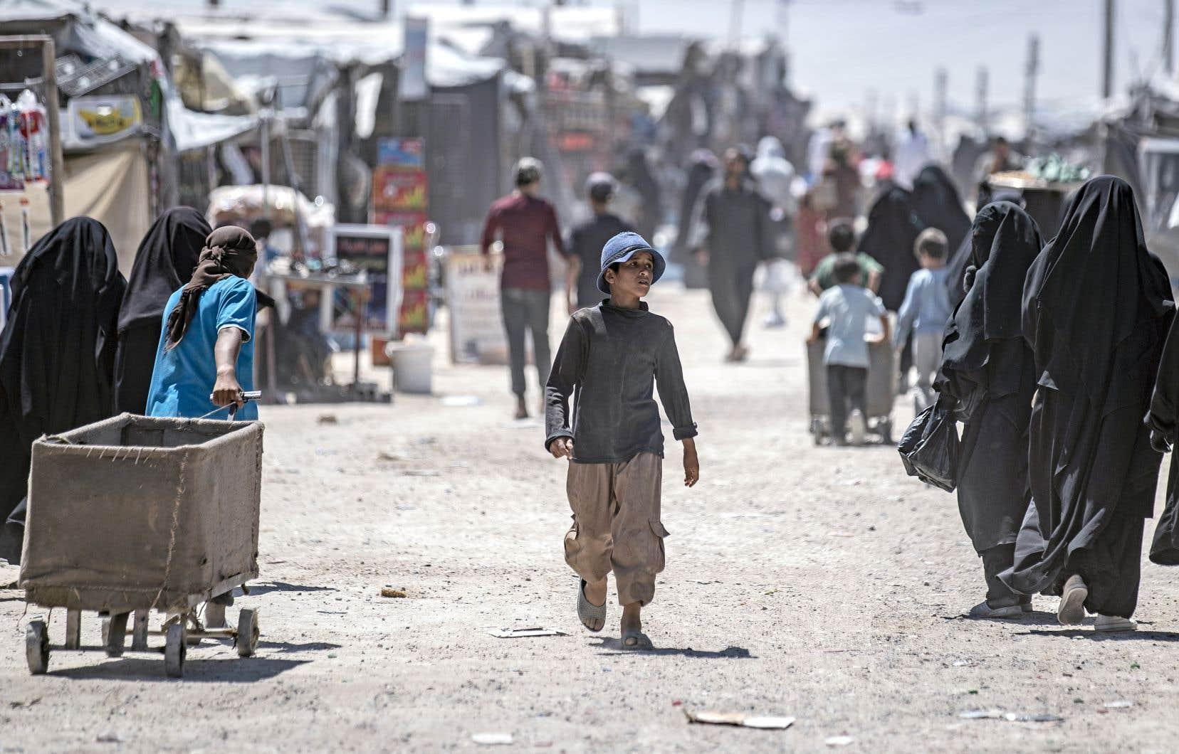 «Les camps de déplacés sont surpeuplés et beaucoup de gens sont obligés de s'installer en plein air, a précisé le Bureau de coordination des affaires humanitaires de l'ONU. Environ les deux tiers des déplacés se trouvent à l'extérieur des camps.»