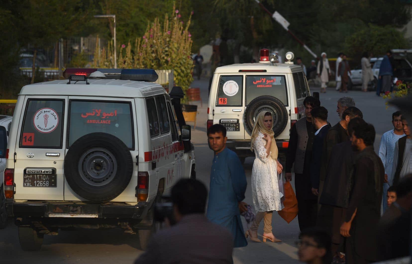 Selon un bilan provisoire du porte-parole du ministère de la Santé, Wahidullah Mayar, une personne a été tuée et 13 autres blessées.