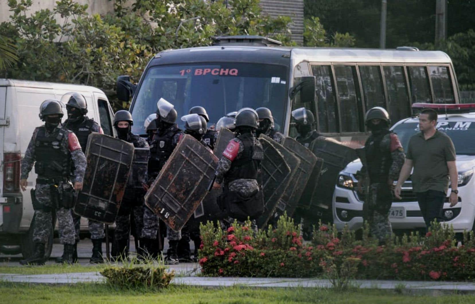 Fin mai, 55 détenus avaient été tués en deux jours lors d'affrontements dans plusieurs prisons de l'État d'Amazonie, également dans le nord du Brésil.