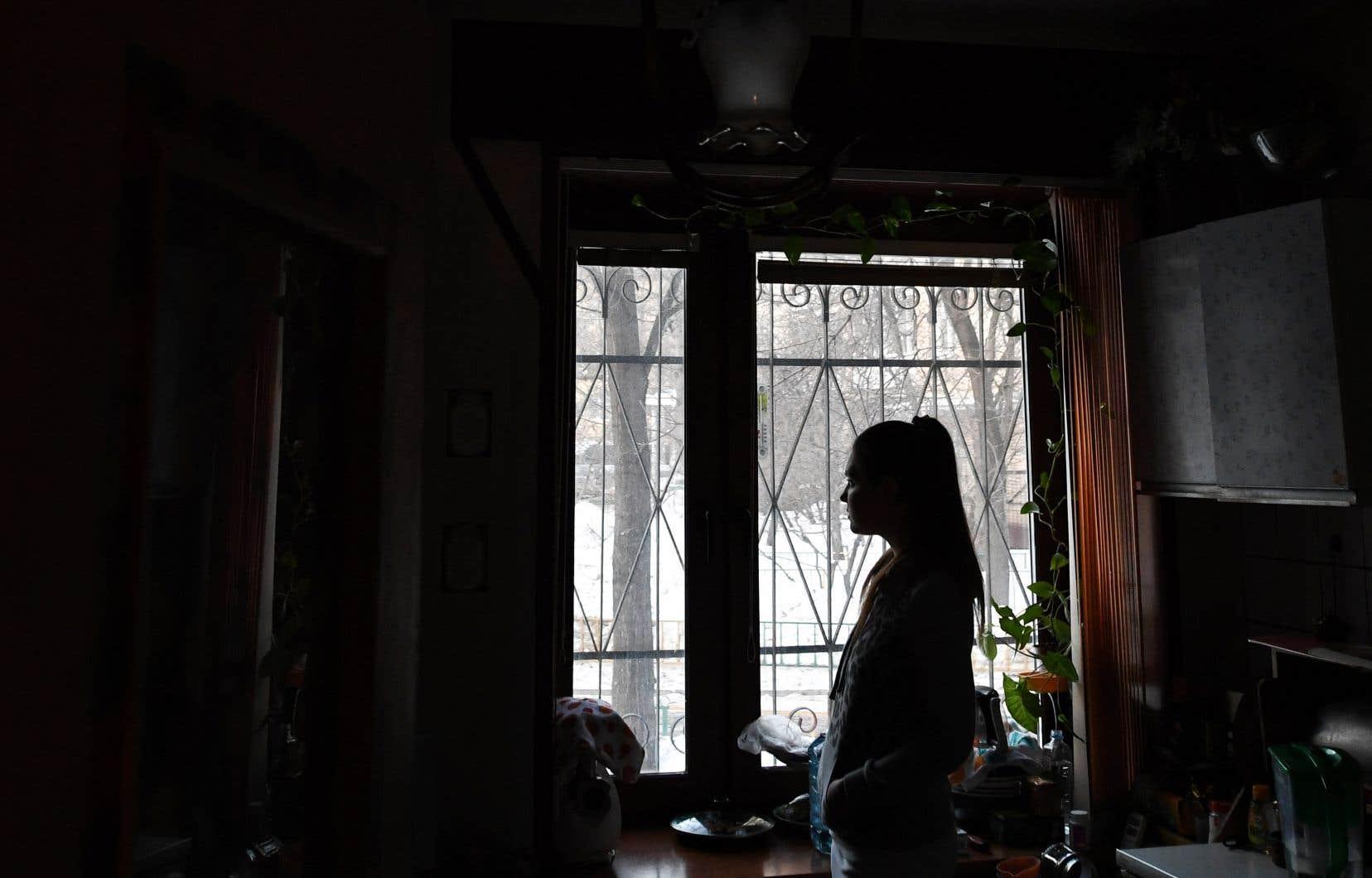 Alexandra Glebova ne connaît que trop bien le traumatisme de la violence domestique en Russie après avoir souffert pendant des années de violences physiques et psychologiques de la part de son père.