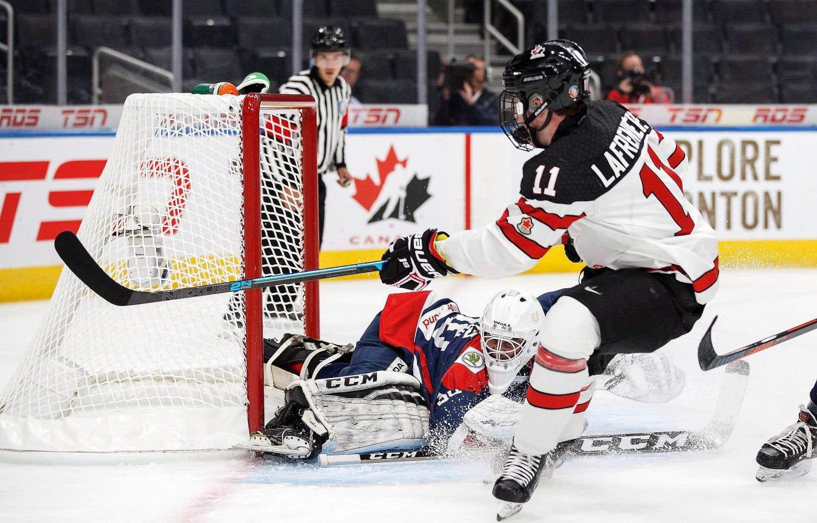 Originaire de Saint-Eustache, Alexis Lafrenière s'était notamment illustré l'an dernier à la Coupe Hlinka-Gretzky, disputé à Edmonton.