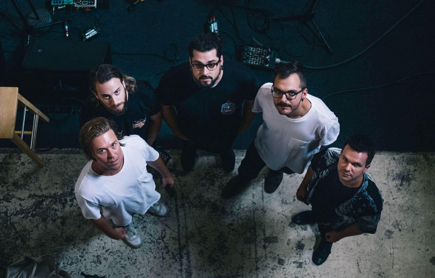 The Franklin Electric est un «collectif rotatif» de musiciens qui s'articule autour du chanteur et compositeur Jon Matte (à gauche).