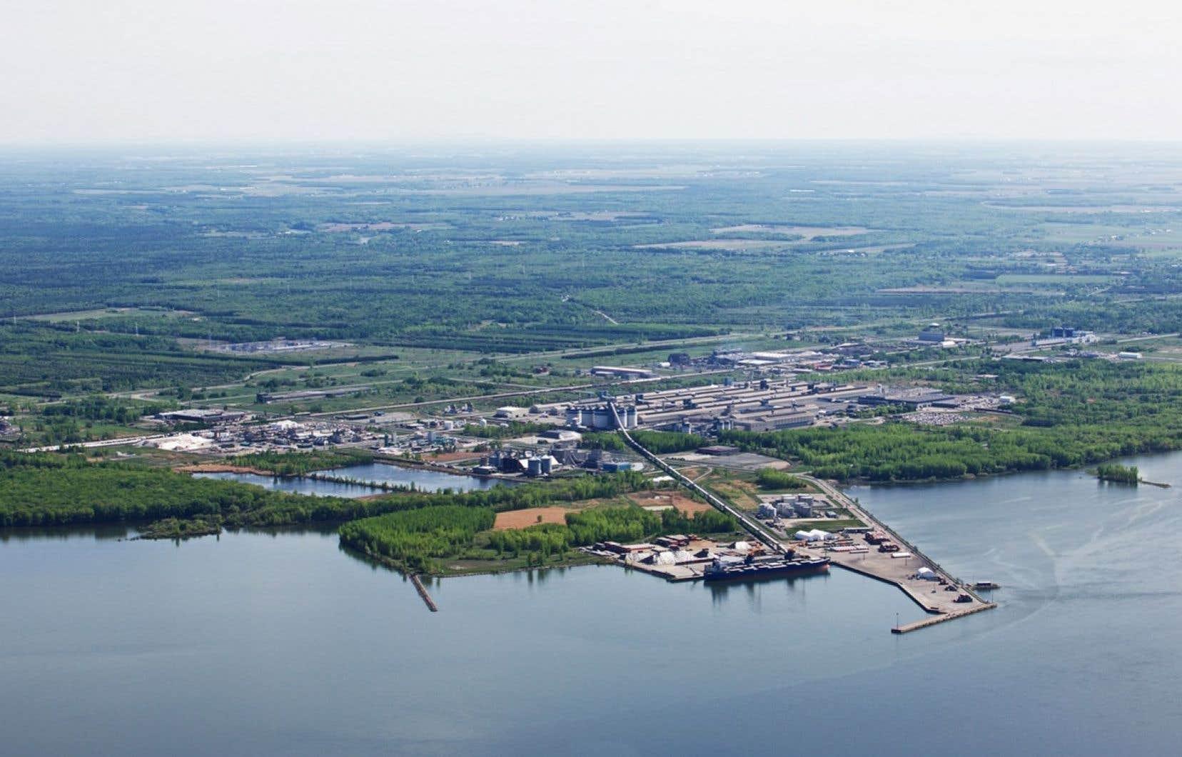 L'usine devrait générer chaque année 630 000 tonnes de GES en sol québécois, soit l'équivalent de plus de 160 000 voitures.