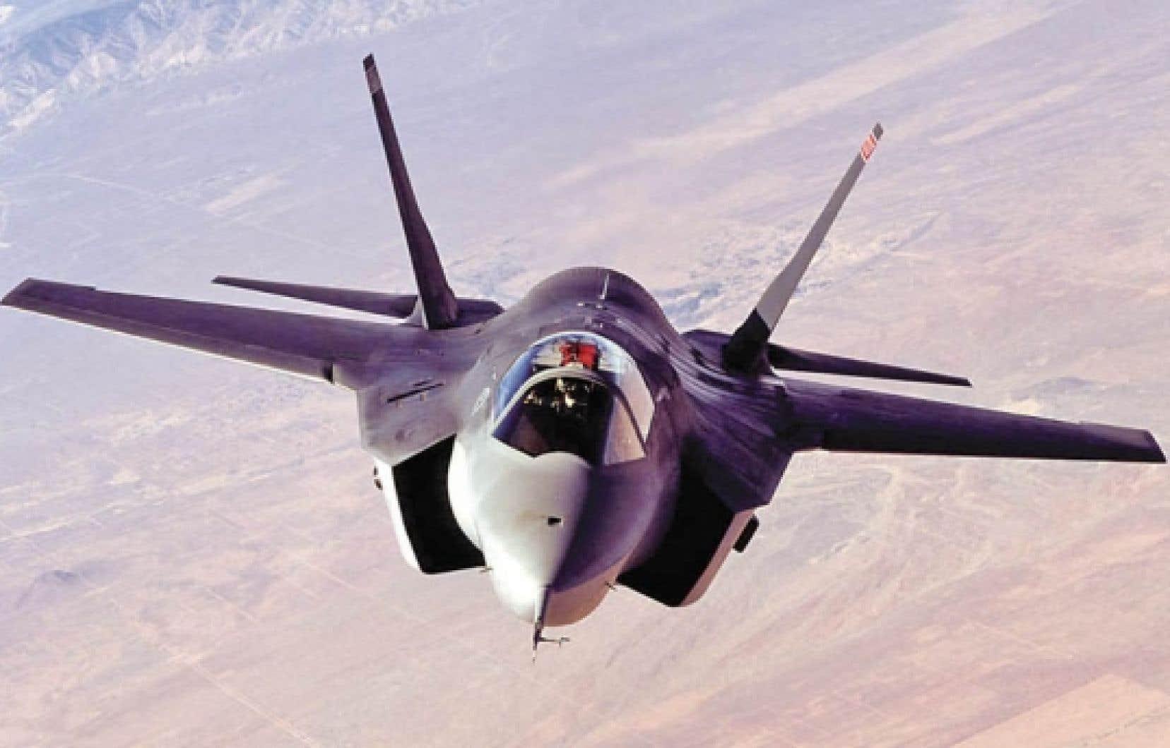 Ottawa veut accorder un contrat de 9 milliards à Lockheed Martin sans soumettre l'entente à la Politique des retombées industrielles et régionales.<br />