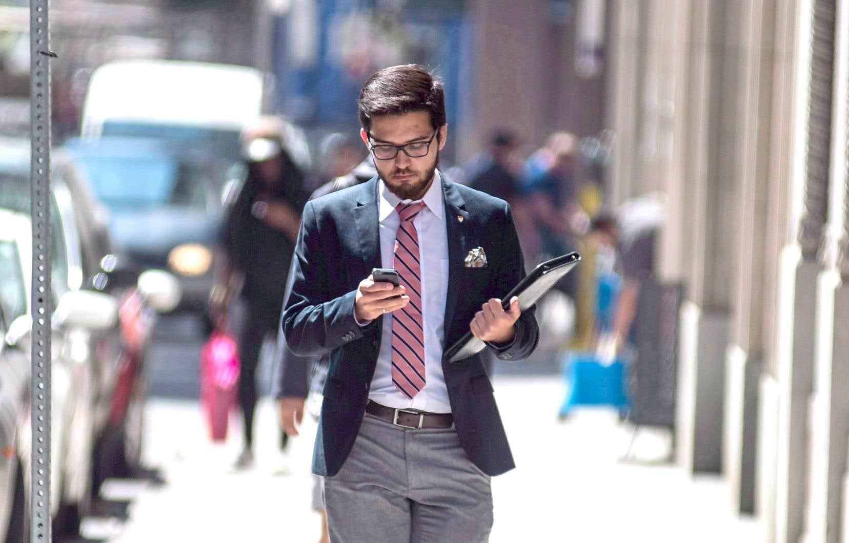 Les trois géants nationaux des télécommunications, Bell, Rogers Communications et Telus, se sont âprement disputé les clients du secteur sans-fil au cours des derniers mois.