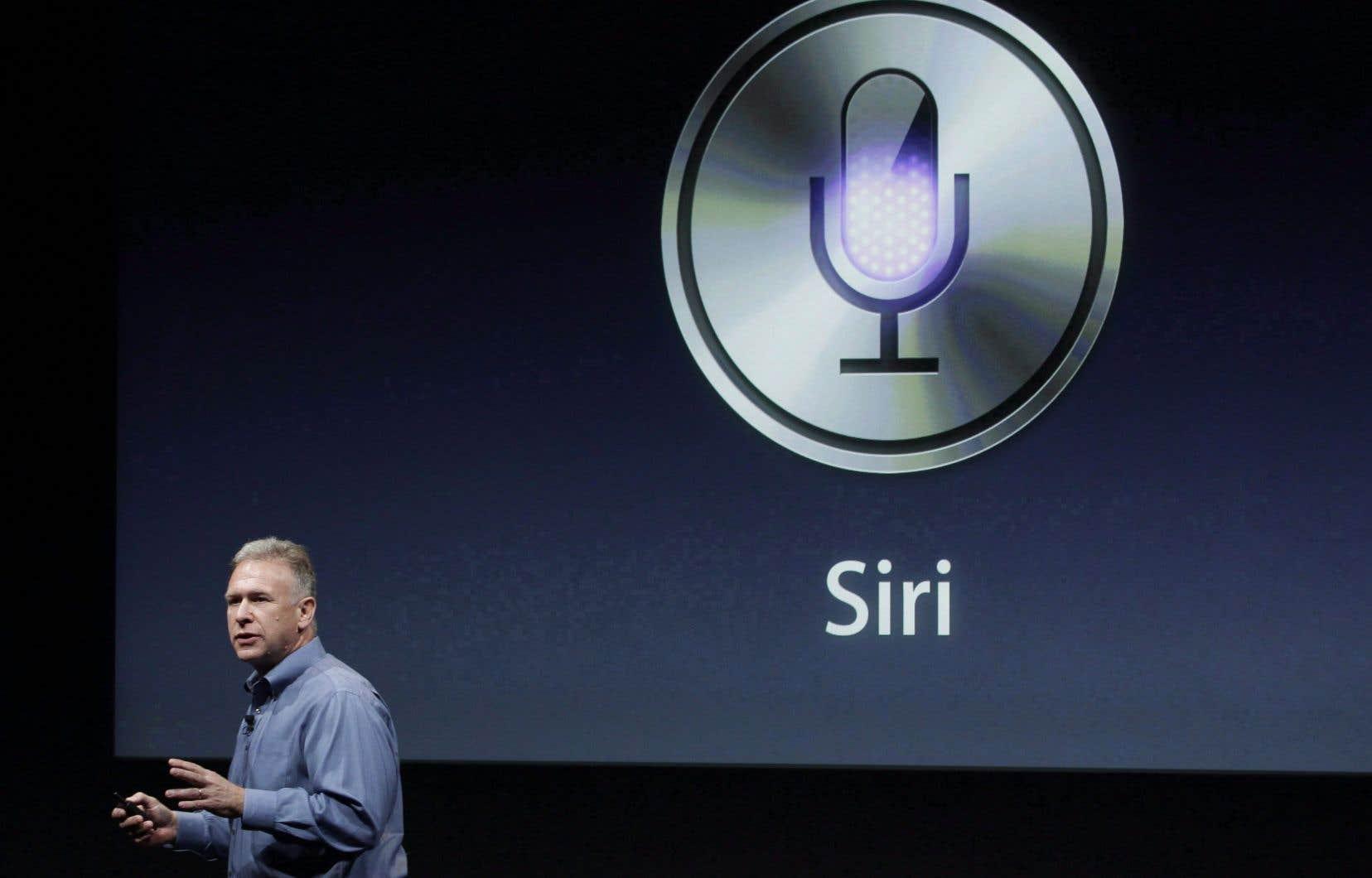 Apple fait analyser par des salariés certains enregistrements captés par Siri afin de s'assurer que le logiciel a interprété les requêtes correctement.