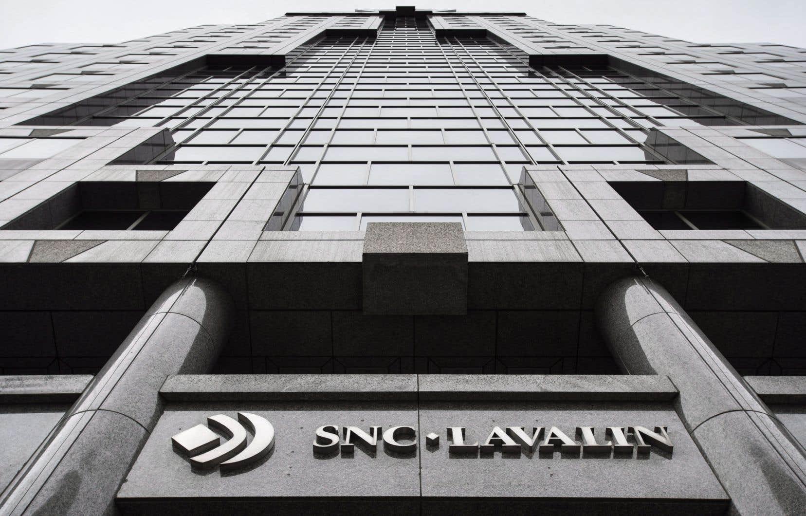 En plus d'afficher une perte nette de 2,12milliards de dollars au deuxième trimestre, SNC-Lavalin a sabré son dividende trimestriel de 10%, qui passe à deux cents par action.