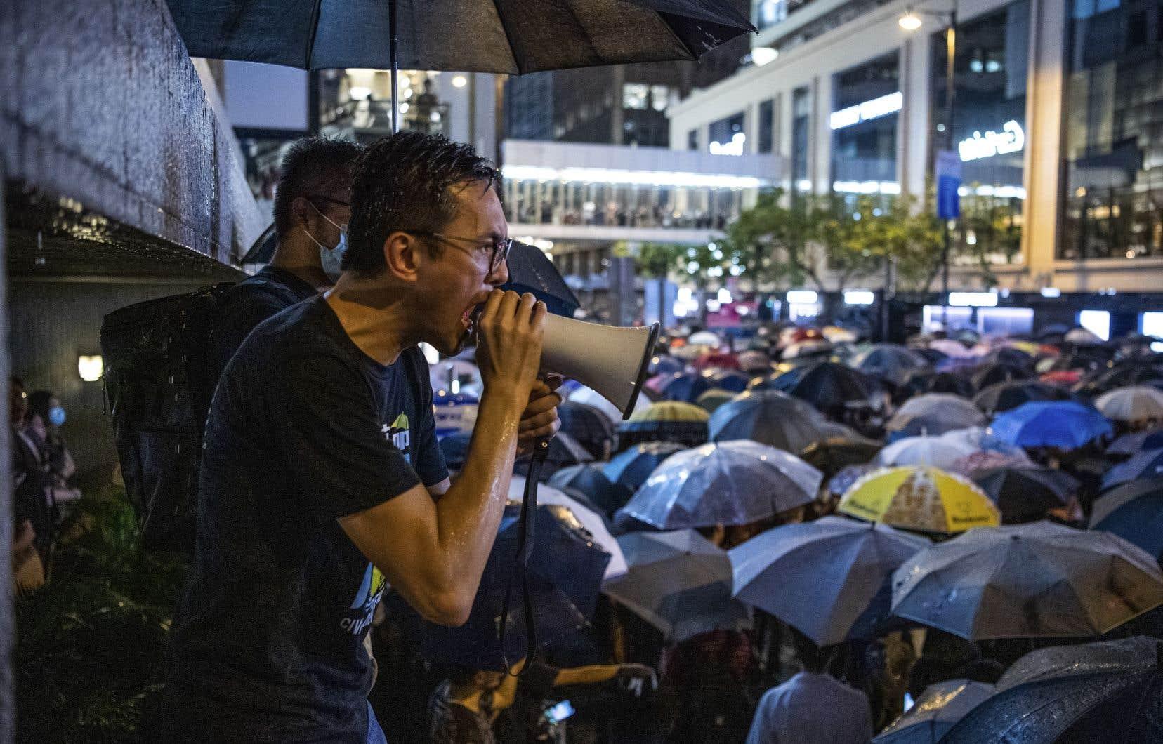Globalement pacifiques, les manifestations ont aussi parfois donné lieu à des violences entre contestataires radicaux et forces de l'ordre.
