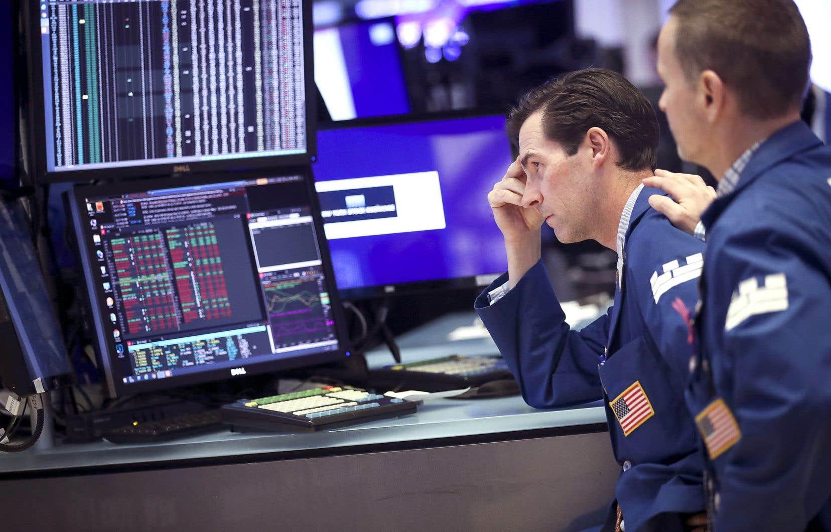 L'annonce de nouveaux droits de douane sur les importations chinoises, jeudi, a d'abord touché de plein fouet Wall Street.
