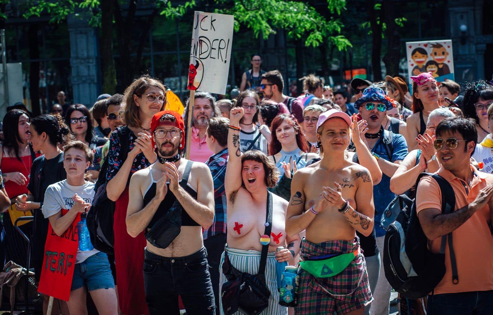 Les militants s'étaient donné rendez-vous à la place de la Paix, au centre-ville de Montréal.
