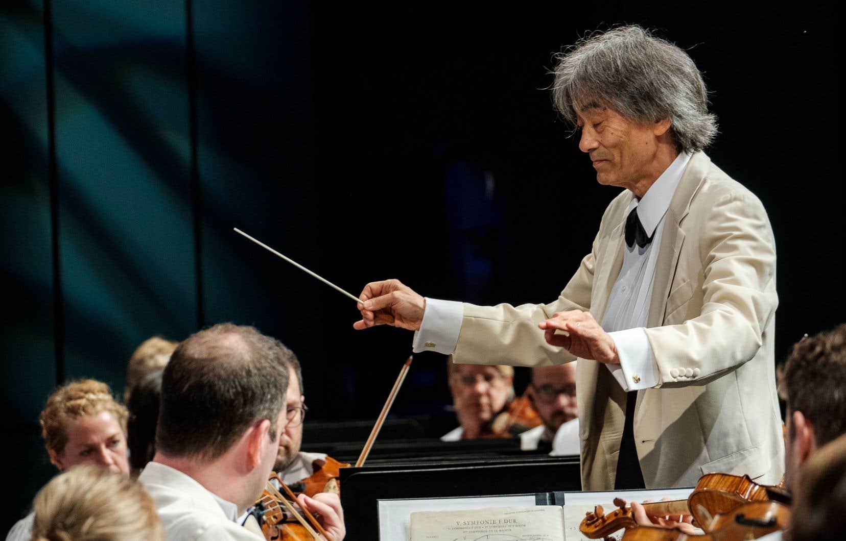 Kent Nagano a une conceptiontrès «cosmique maîtrisée» de la «3e Symphonie» de Mahler.