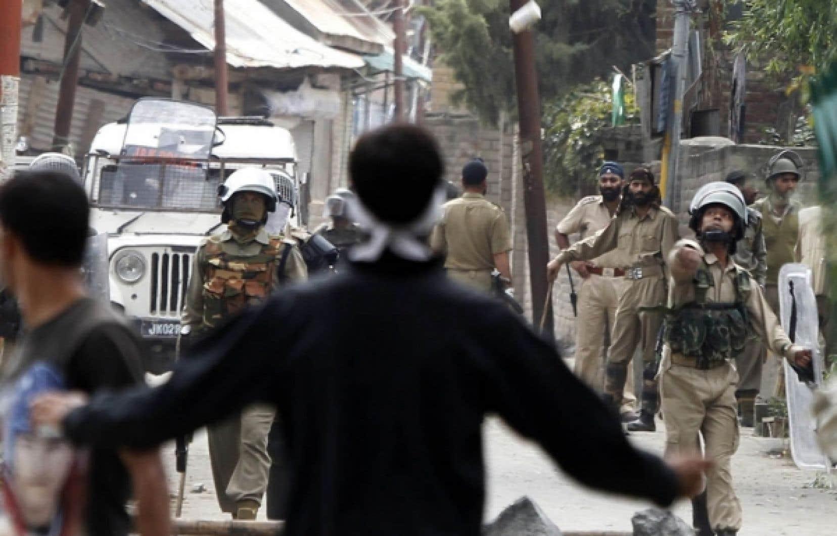 Les troubles qui ont cours au Cachemire depuis juin ont fait au moins 90 morts.<br />