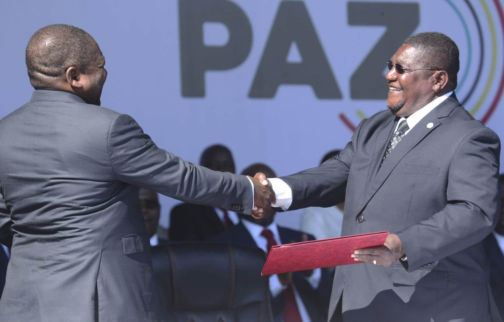 Jeudi dernier, Filipe Nyusi et Ossufo Momade, avaient déjà signé un accord sur la cessation des hostilités, dans le Parc national de Gorongosa, dans le centre du Mozambique.
