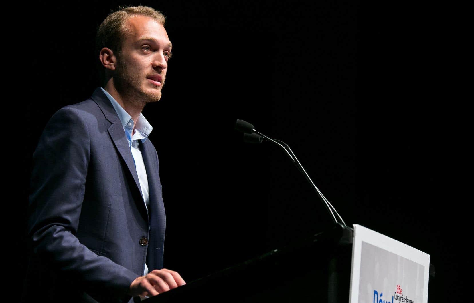 «On a une crise à régler. Il faut absolument qu'on trouve des solutions», a commenté le président de l'aile jeunesse du PLQ, Stéphane Stril.