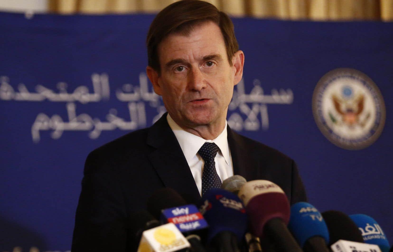 Le numéro3 du département d'État américain, David Hale, s'est entretenu avec le chef du conseil militaire au pouvoir, le général Abdel Fattah al-Burhane, des leaders de la contestation et des membres de la société civile.