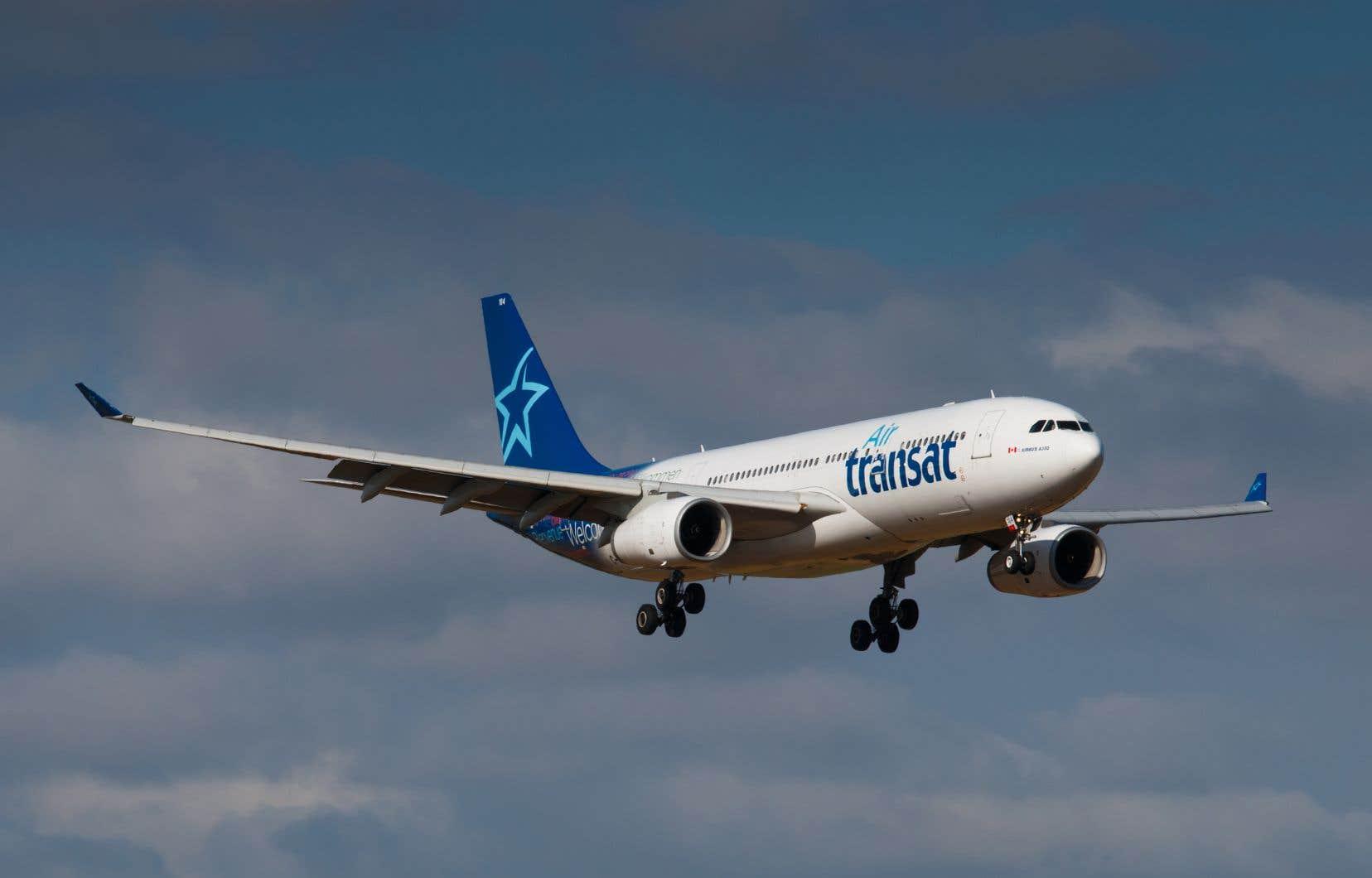 Air Canada propose d'acquérir Transat pour 13$ l'action, ou 520millions.