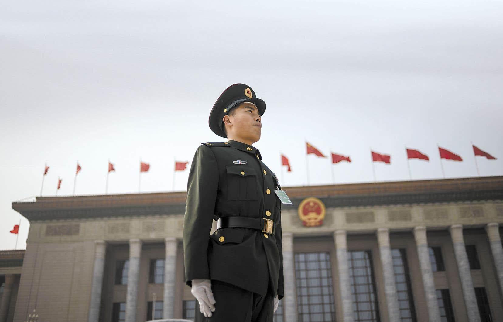 Avec un ordre du jour déjà bien garni et une lutte interne contre la corruption qui se poursuit, la Chine n'avait donc pas prévu, et encore moins souhaité, cet été d'affrontement avec les États-Unis et Hong Kong.