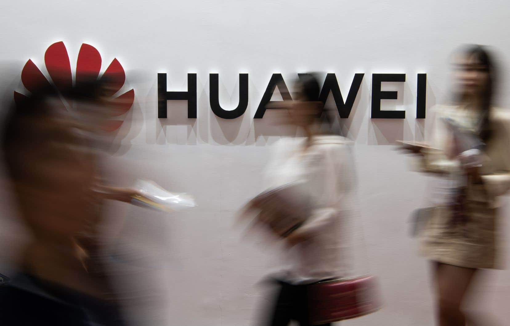 Huawei pourrait avoir du mal à convaincre des consommateurs hors de Chine de choisir ses téléphones.