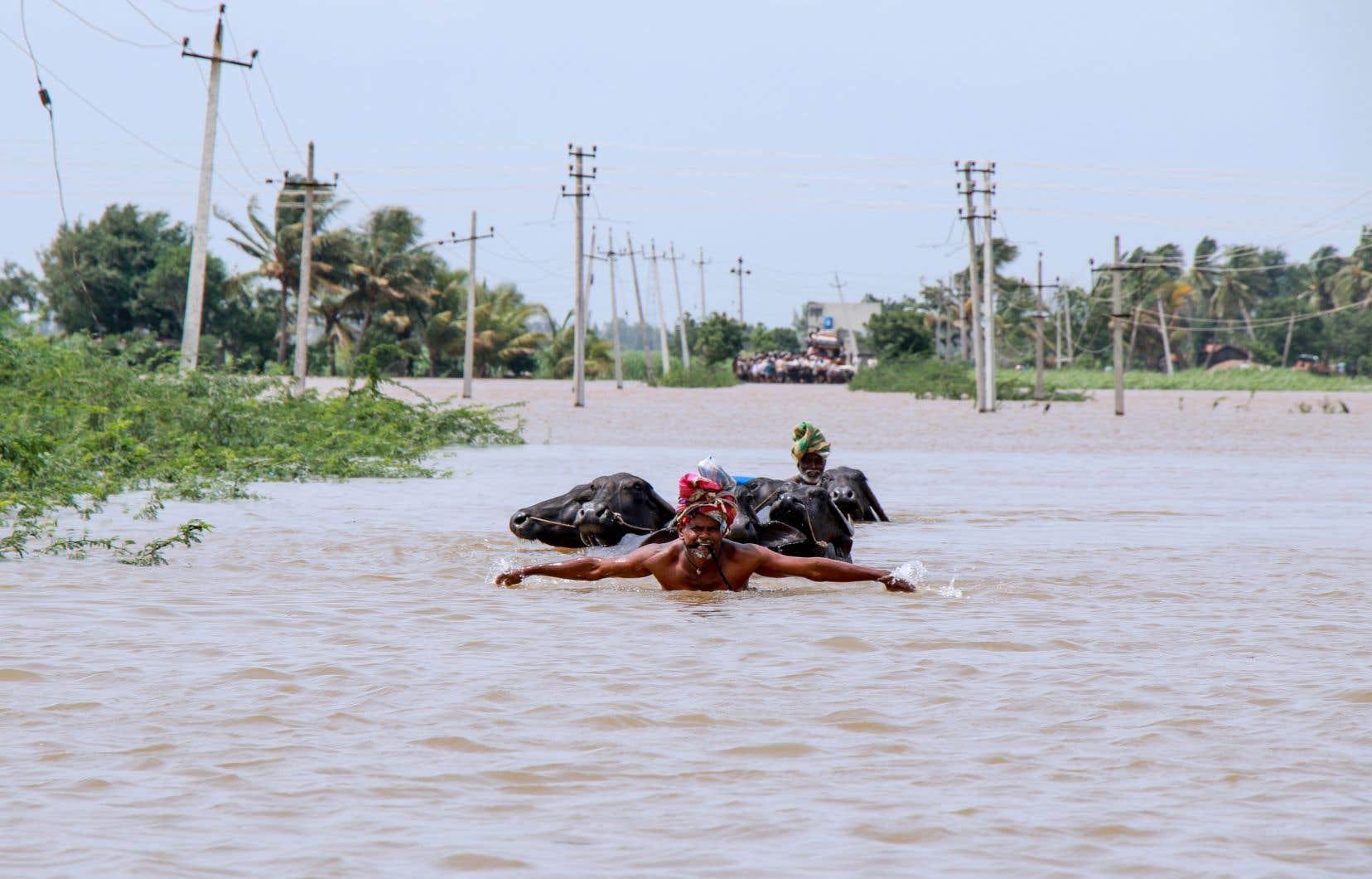 Dans l'État du Karnataka, où les inondations ont été plus importantes que ces dernières années, le bilan provisoire s'élève à 42 morts.