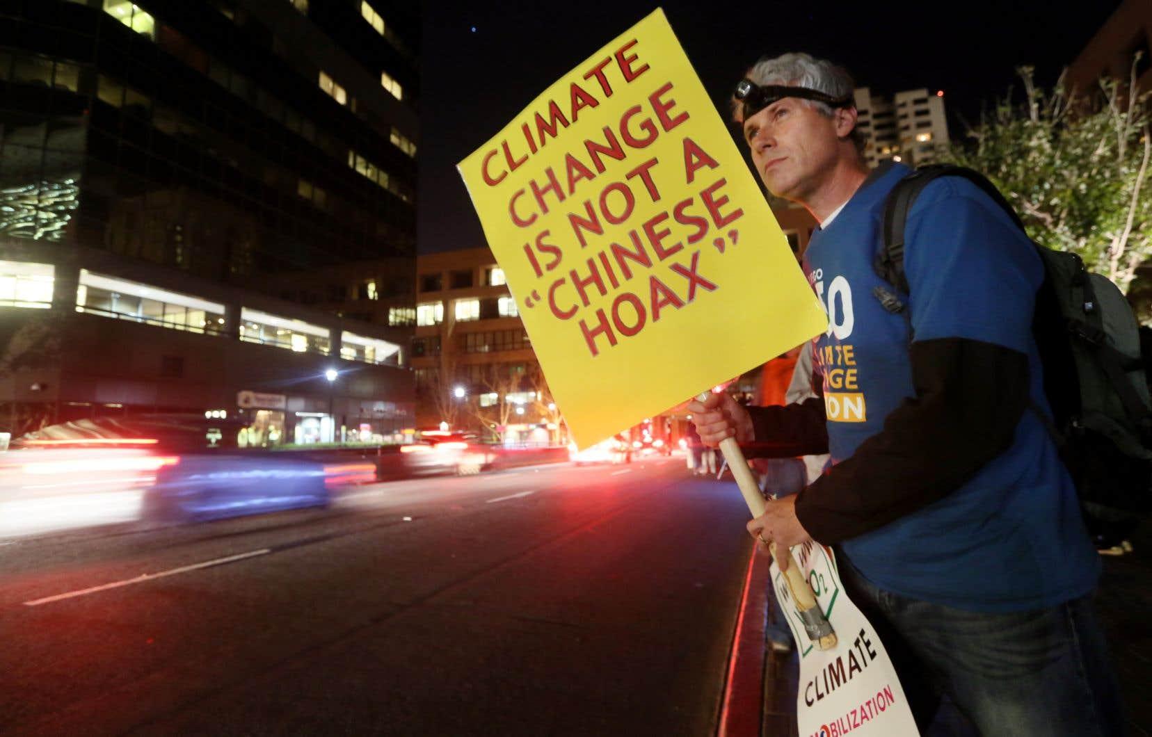 «Nous avons découvert que la visibilité des négateurs du climat a été 49% plus importante que celle du changement climatique», ont écrit les auteurs de l'étude dirigée par Alexander Petersen, de l'université de Californie à Merced.