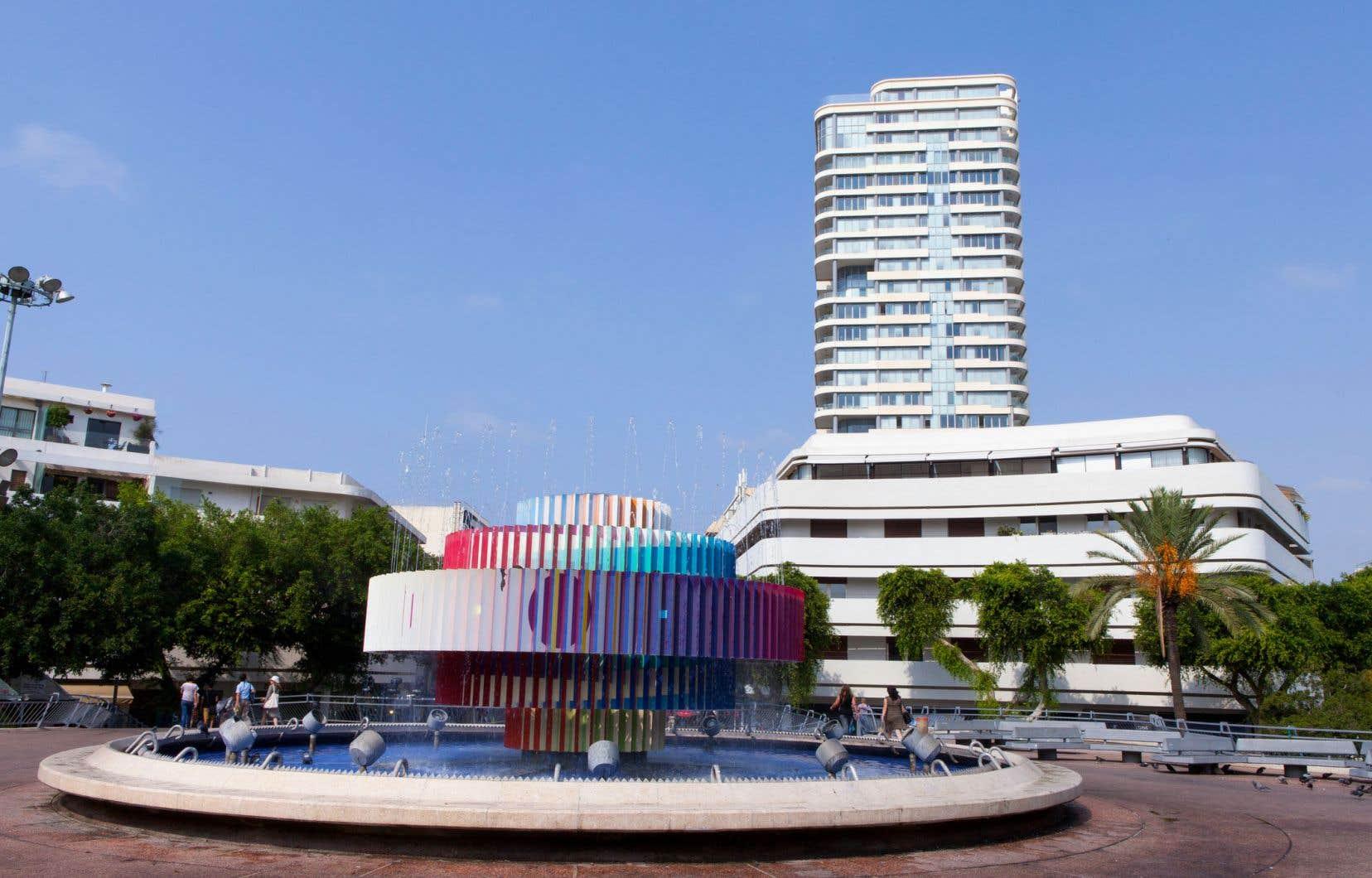 La place Dizen-goff de Tel-Aviv est considérée comme la seule place typique-ment Bauhaus d'une grande ville.
