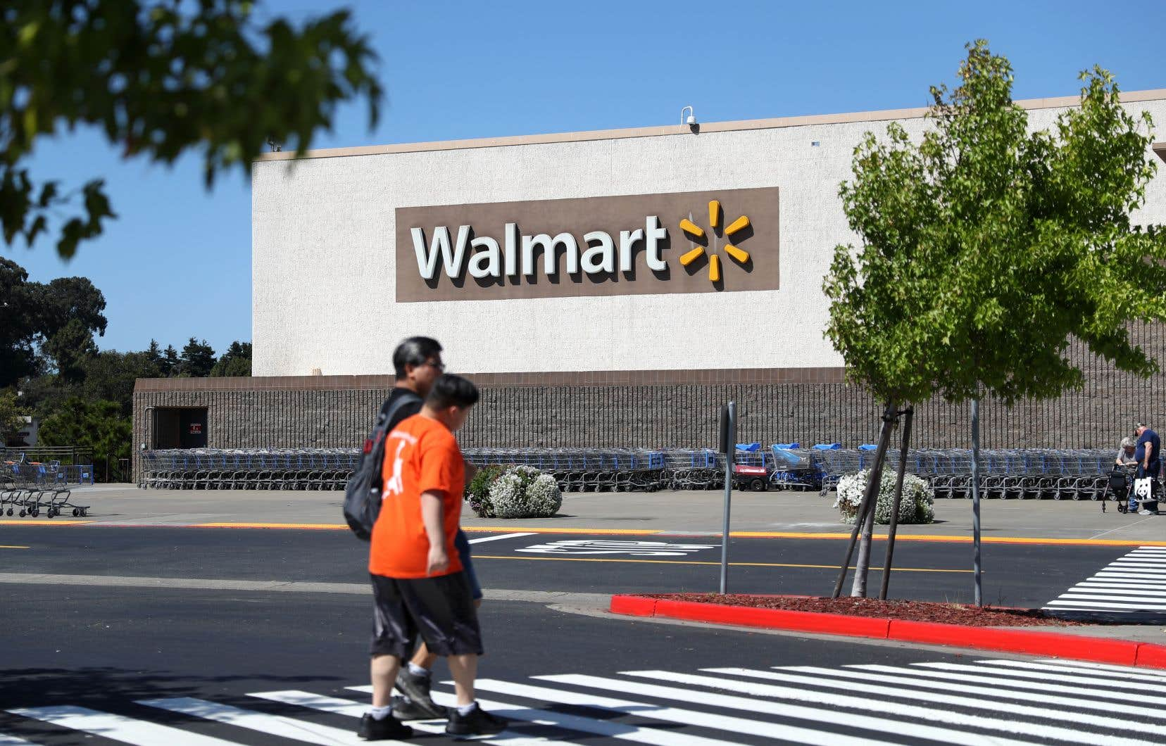 Les ventes des magasins Walmart ouverts au moins un an ont augmenté de 2,8%, ce qui constitue un 20etrimestre consécutif de croissance.
