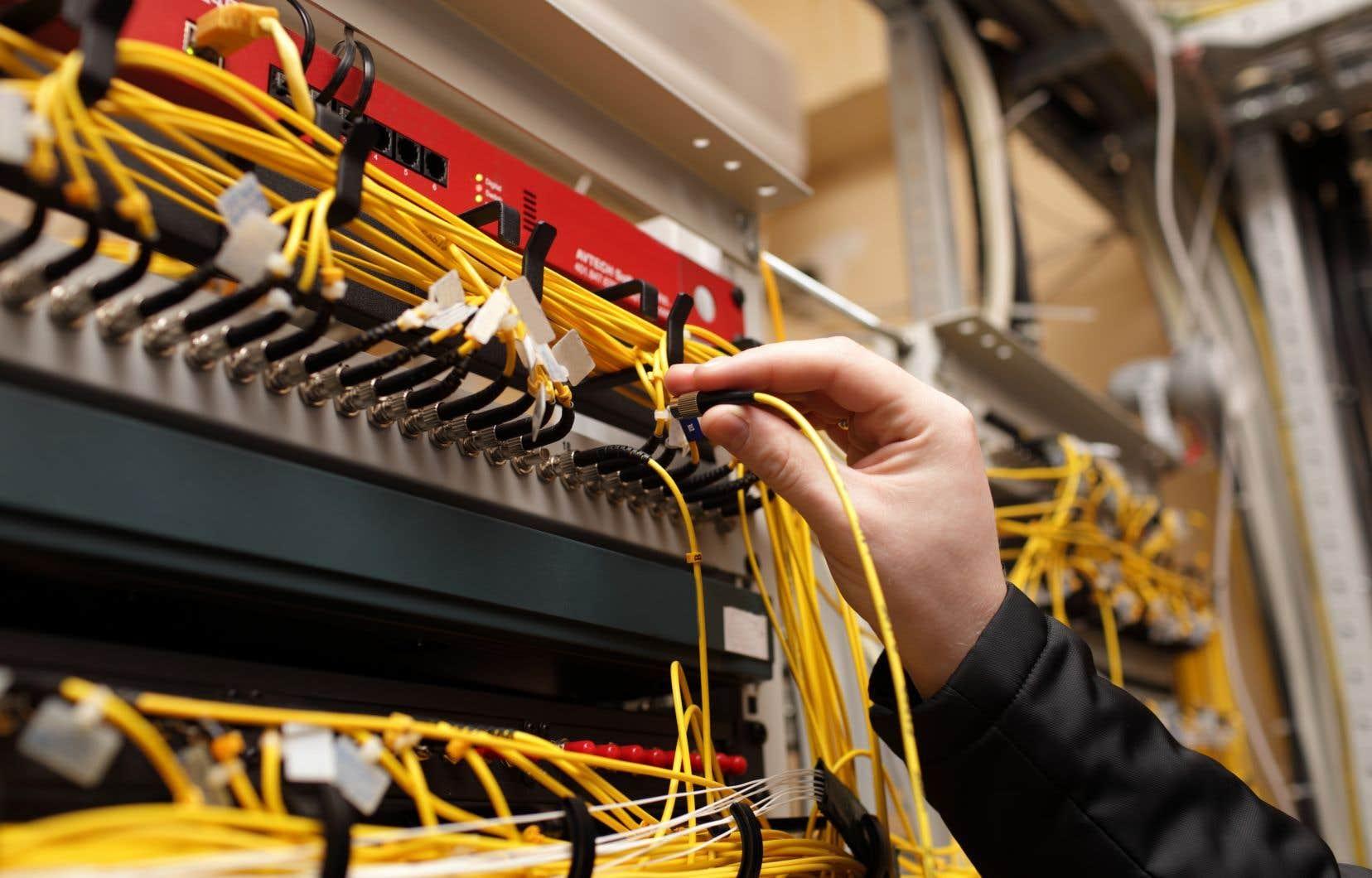La semaine dernière, le CRTC a publié les tarifs définitifs que les plus petits fournisseurs doivent payer aux principaux joueurs du secteur des télécommunications afin d'utiliser leur réseau à large bande.