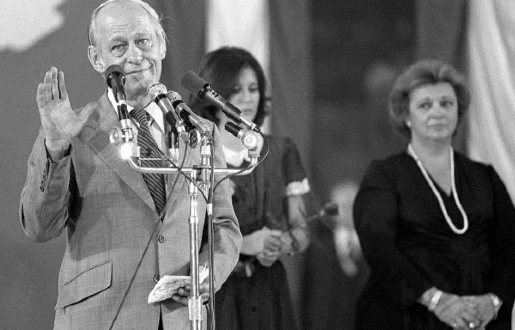 René Lévesque après la défaite référendaire de 1980. La Révolution tranquille s'achève sur une impasse politique, constate l'économiste Pierre Fortin.<br />