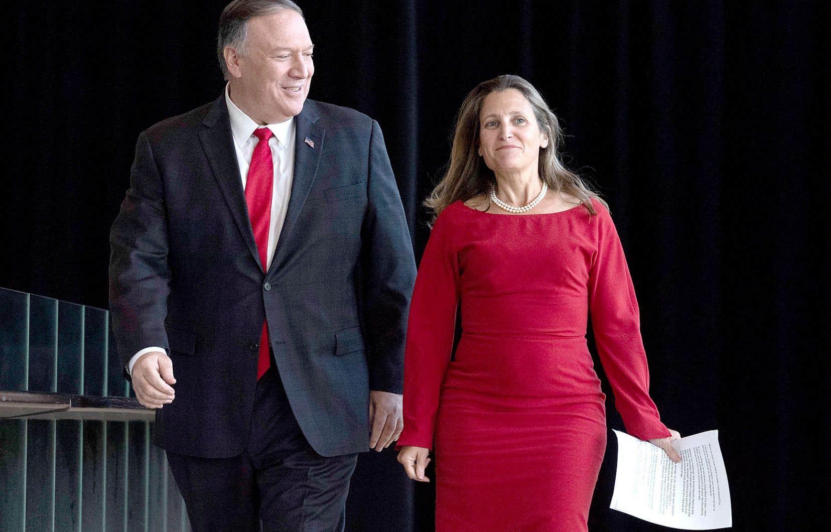 Le secrétaire d'État américain, Mike Pompeo, et sa vis-à-vis canadienne, Chrystia Freeland