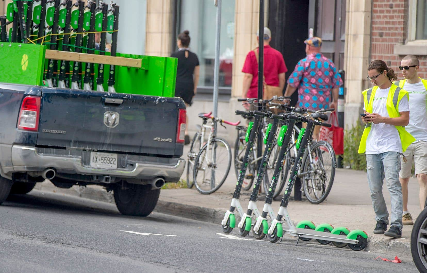 Les trottinettes électriques de Lime ont été déployées le 13août dans les rues de Montréal.