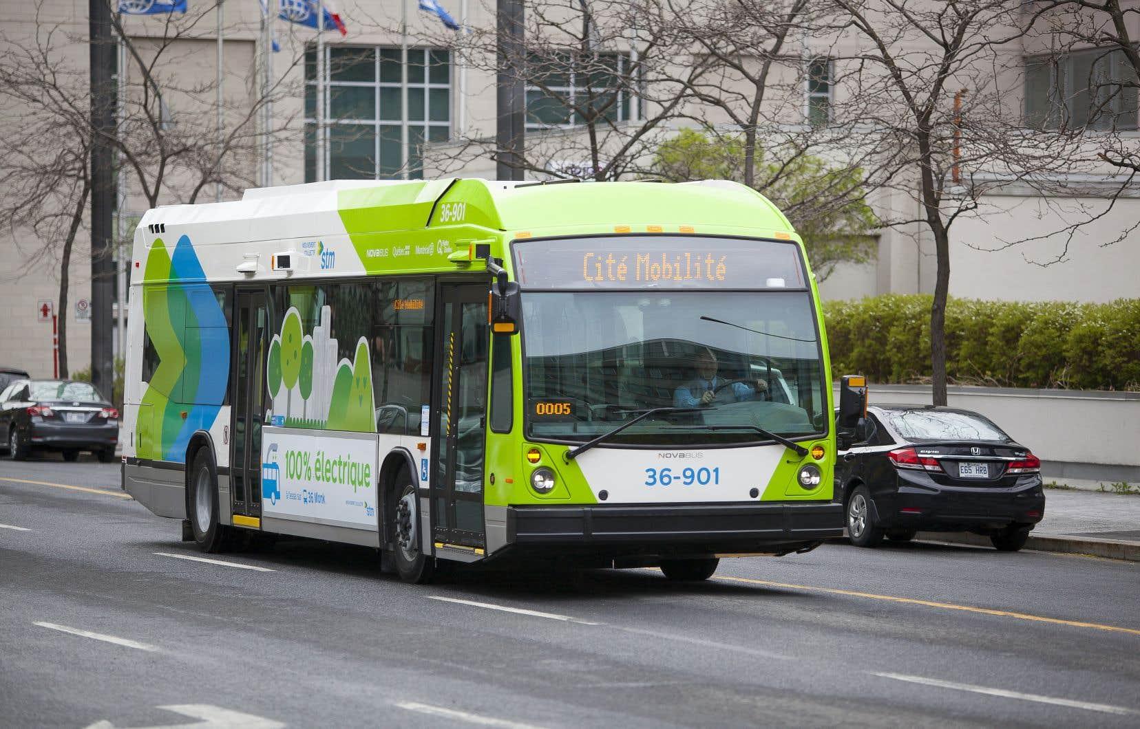À Montréal, depuis mai 2017, trois bus 100% électriques sillonnent la ligne 36 – Monk. Le projet Cité Mobilité, déployé en partenariat avec Hydro-Québec, permet de tester la technologie.