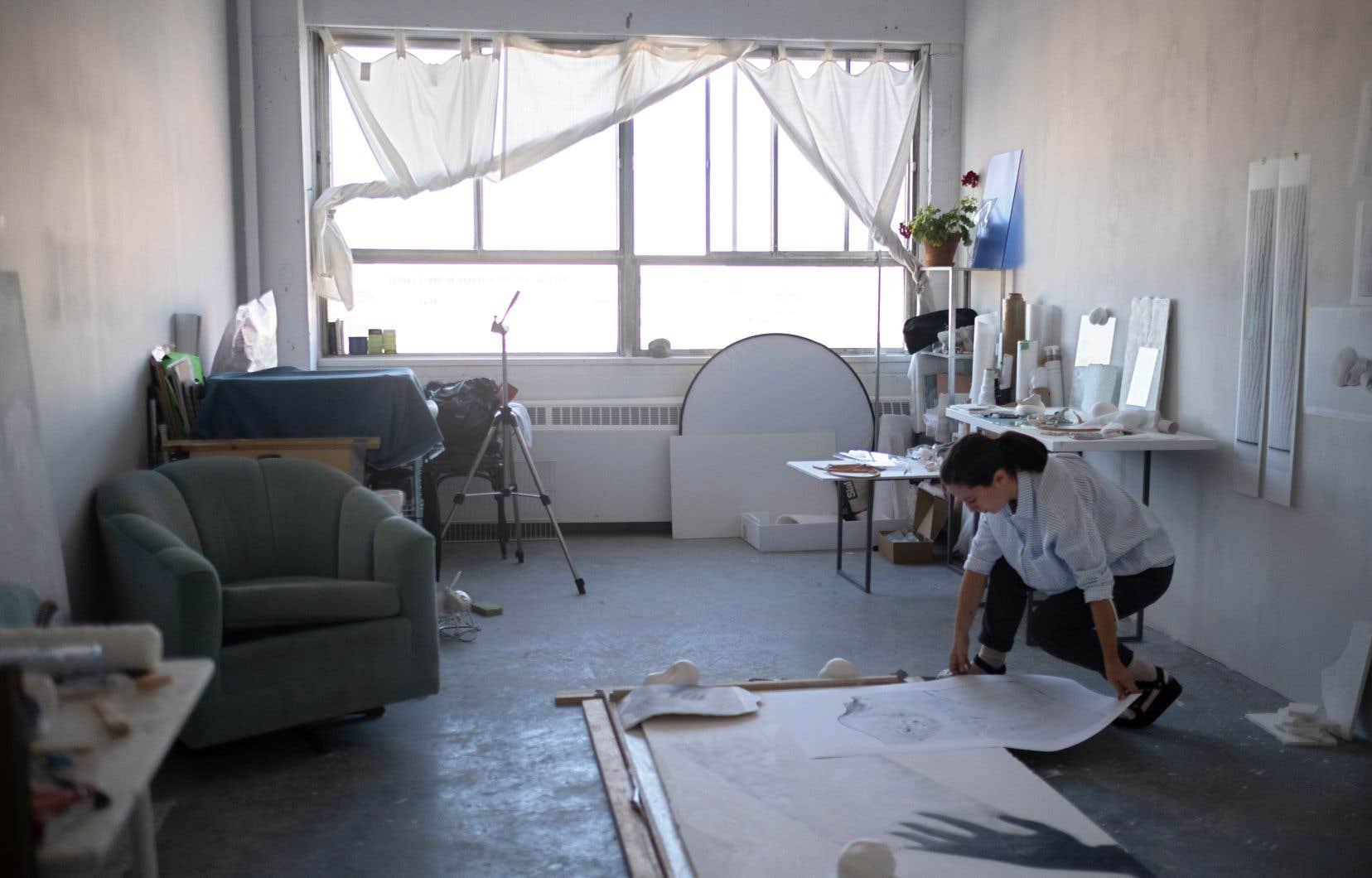 «Nous sommes quatre et avons tous des espaces privés avec fenêtres, commente Caroline Mauxion, active en photographie. Sur de Gaspé, c'était très cher. J'ai le double d'espace, pour 100 $ de plus. Il n'y a pas photo.»