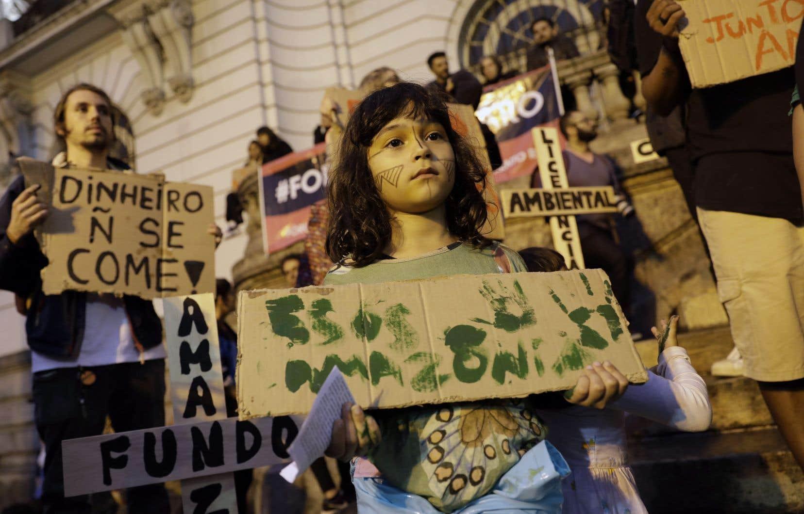 À 86%, selon un sondage récent, les Brésiliens veulent préserver l'Amazonie.