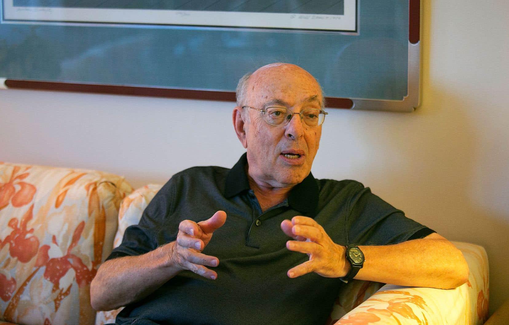 Expert en science de la gestion de réputation internationale, Henry Mintzberg a cumulé, au fil de ses 50 ans de carrière, une vingtaine d'ouvrages, 180 articles scientifiques et une multitude de prix et de distinctions.