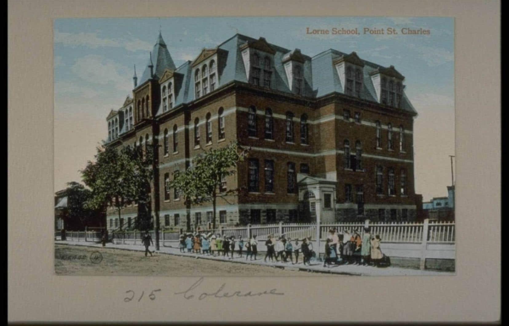 Une école de Pointe-Saint-Charles dans les années 1950.<br />