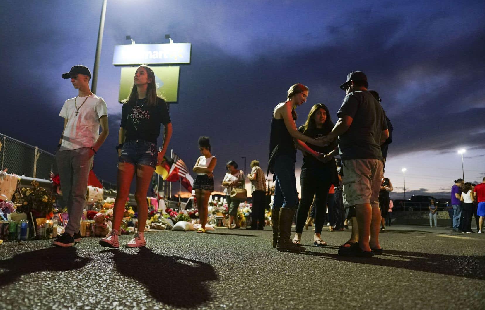 La décision survient dans la foulée de la fusillade dans son magasin d'El Paso, le mois dernier.