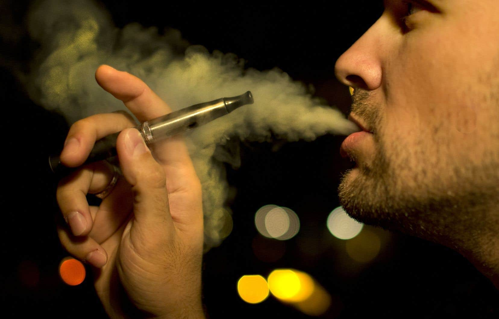 Les produits de vapotage incluent des cigarettes électroniques, des liquides, des capsules, des cartouches et d'autres dispositifs de vapotage.