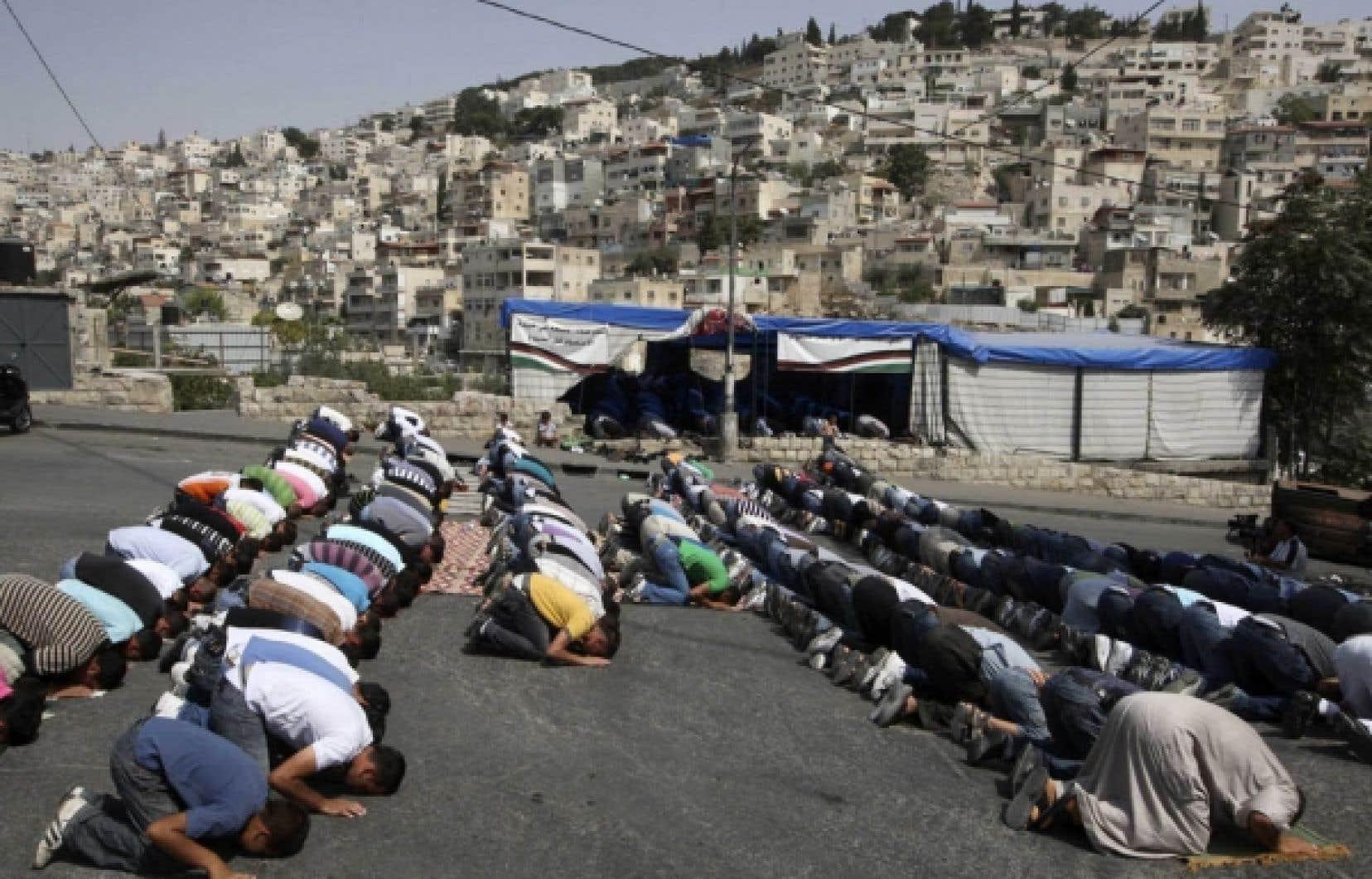 Prière du vendredi sous surveillance, à Jérusalem-Est<br />