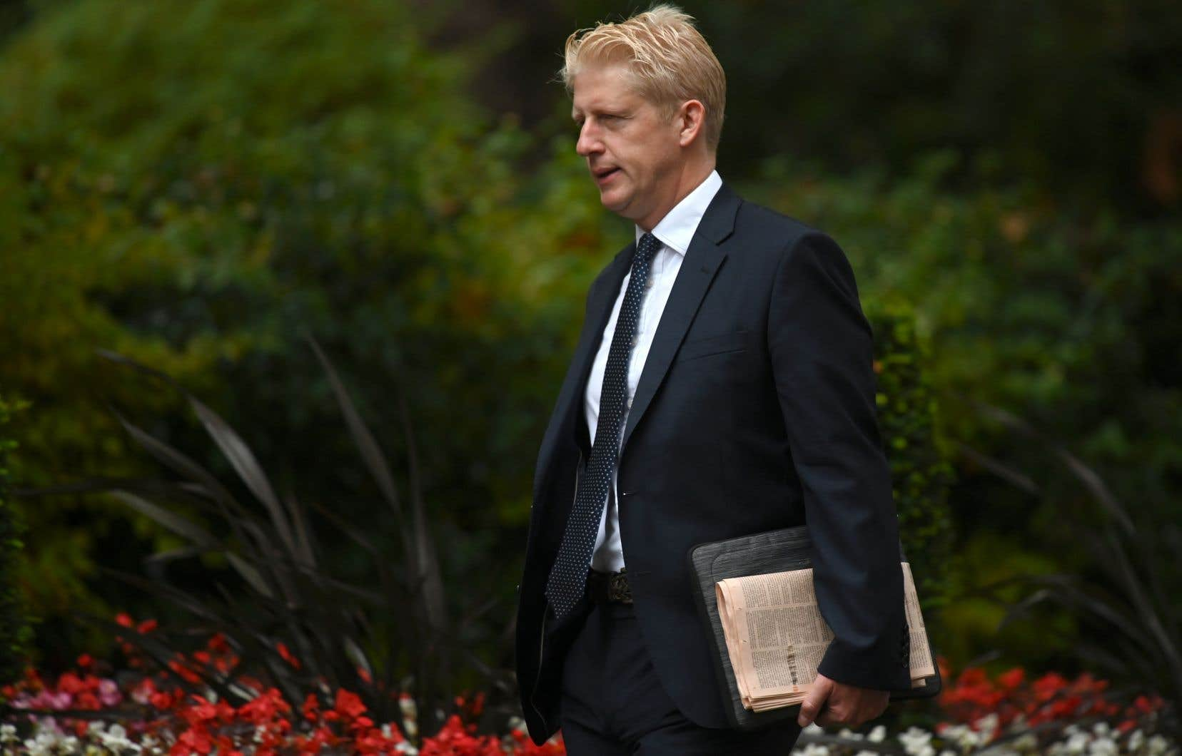 Jo Johnson, 47ans, avait aussi démissionné en novembre 2018 du gouvernement de Theresa May, opposé à l'accord de retrait qu'elle avait négocié avec l'Union européenne.