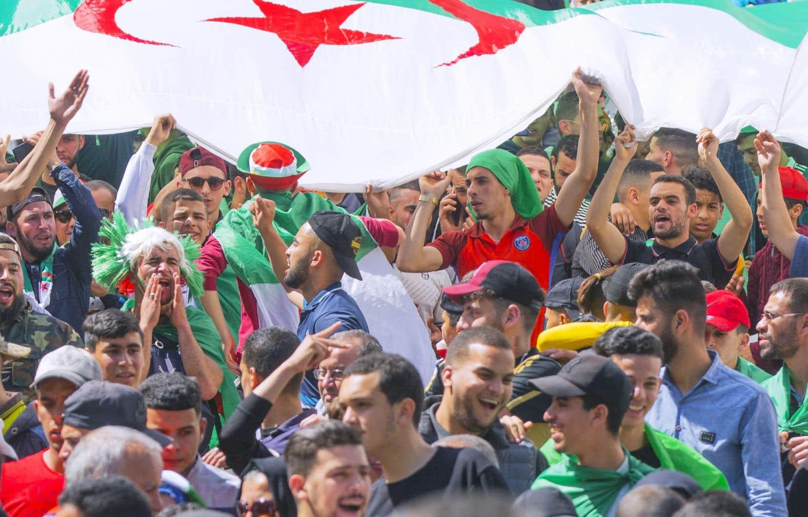 Les manifestations du vendredi en Algérie ont entraîné le départ du pouvoir d'Abdelaziz Bouteflika et déclenché une campagne contre la corruption.