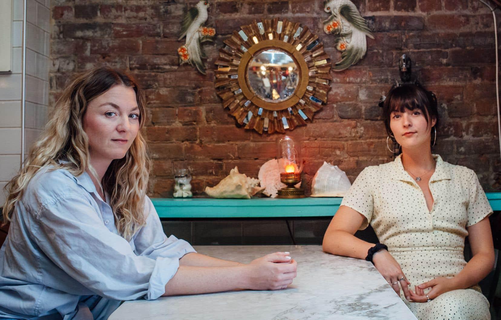 À deux ou trois moments sur leur nouveau disque, Les sœurs Boulay flirtent avec notre rapport au grand tout dans lequel on s'empêtre pas mal.