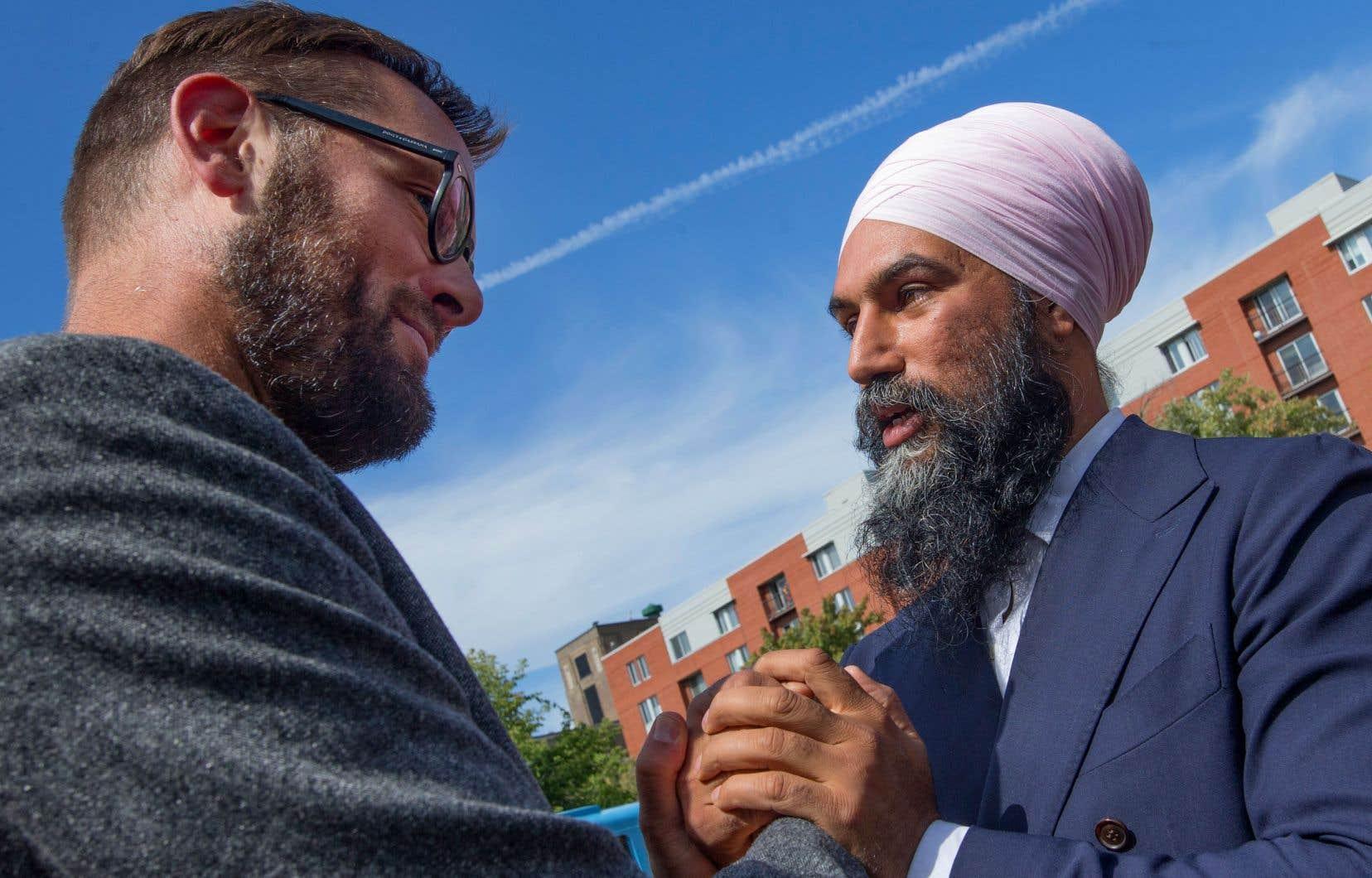 Le chef du NPD, Jagmeet Singh (à droite), était de passage à Montréal jeudi et a rencontré son candidat dans Montmagny–L'Islet–Kamouraska–Rivière-du-Loup, Hugo Latulippe.