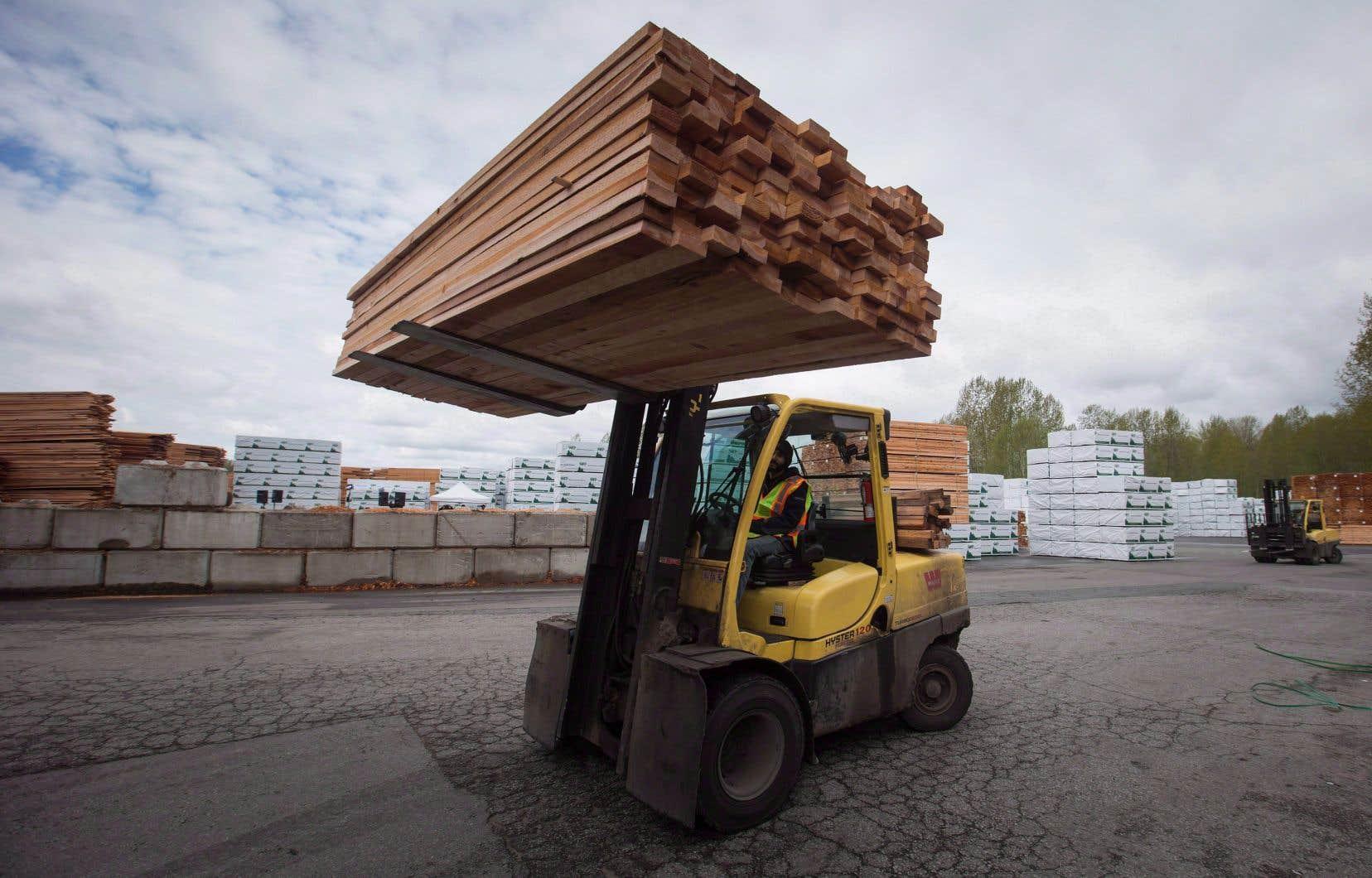Il n'existe aucune preuve que l'industrie canadienne du bois d'œuvre nuit aux producteurs américains, affirme le comité.