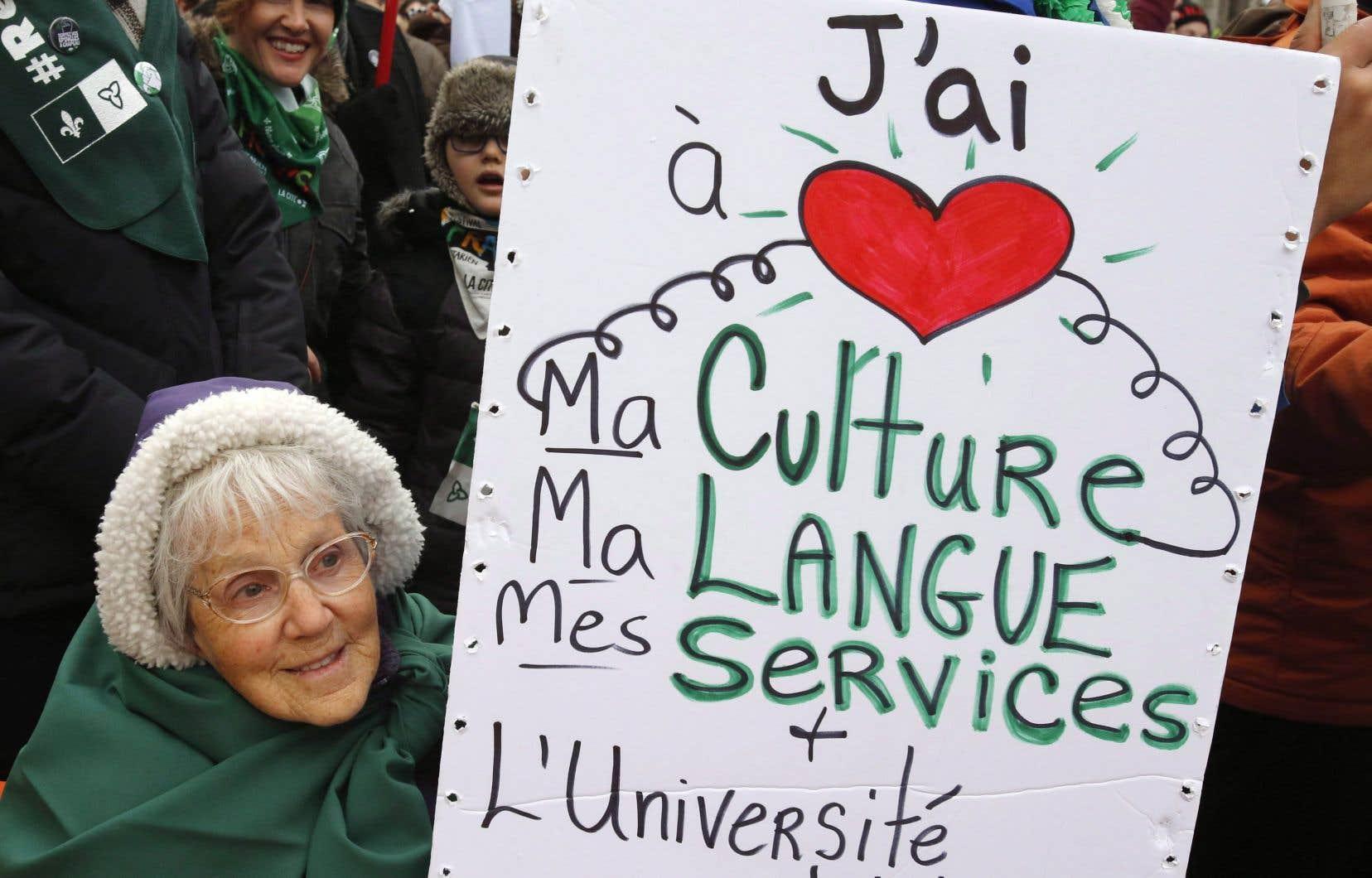 En décembre dernier, des Franco-Ontariens manifestaient contre la suppression de services en français dans la province.