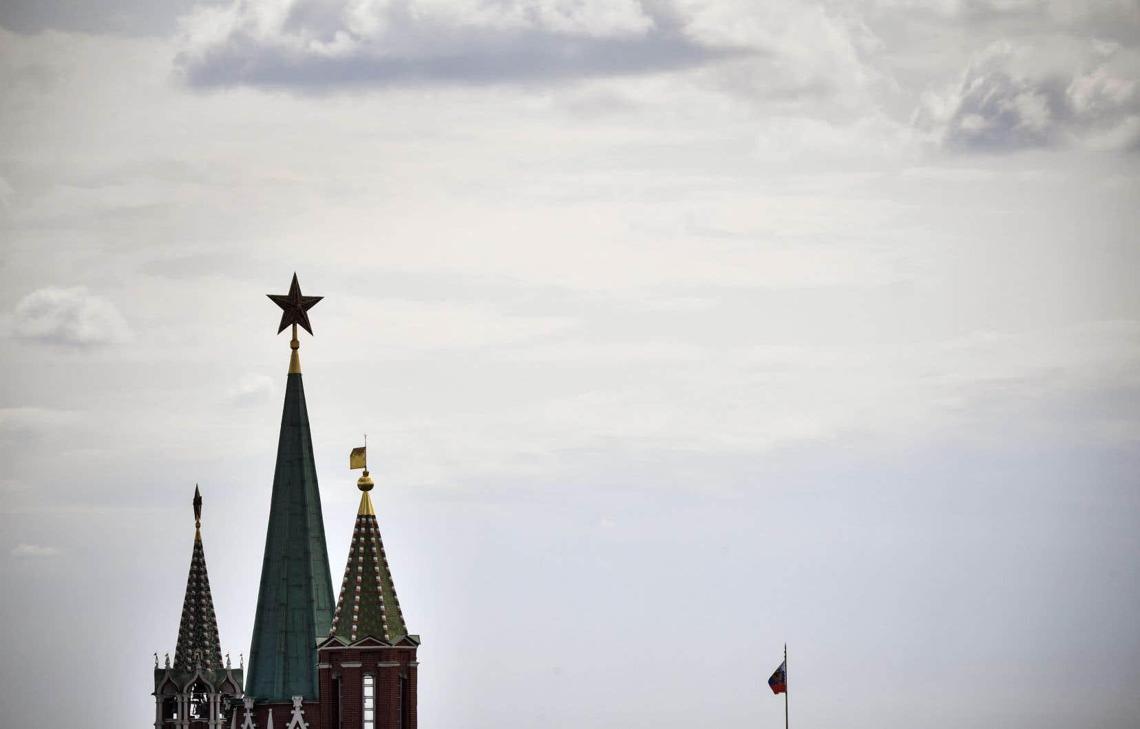 Le Kremlin a confirmé mardi avoir employé dans son administration un homme identifié par la presse russe comme un agent de la CIA.